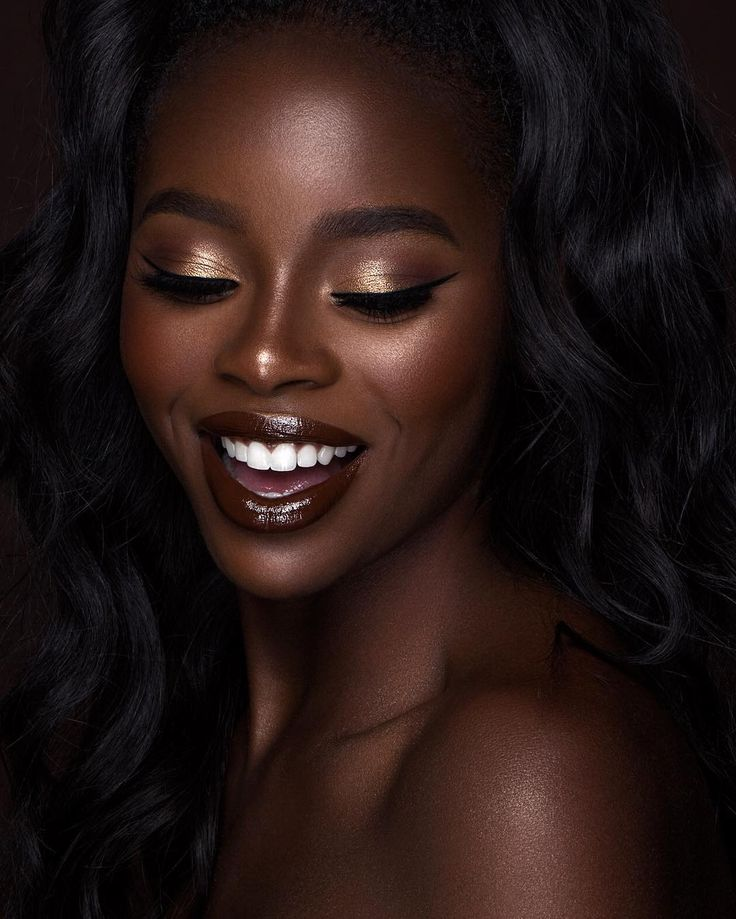 4 Tips for Highlighting Features on Dark Skin